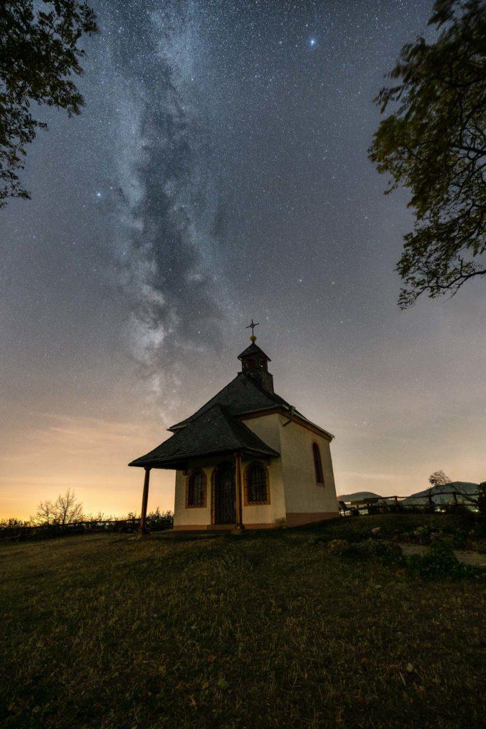 Fotograf des Universums Martin Koch Milchstrasse Kapelle Kleine Kalmit